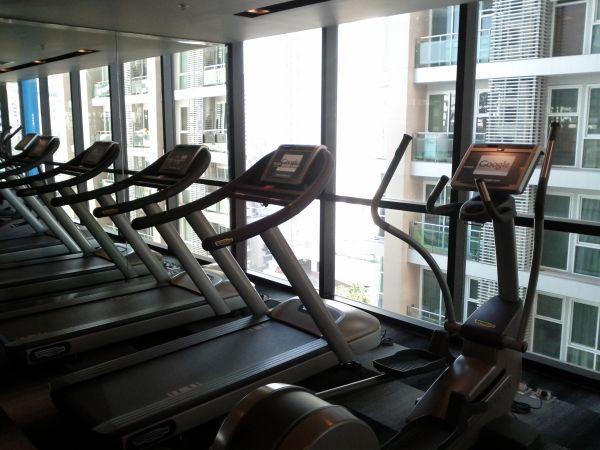 aloft-sukhumvit-11-bangkok-fitness-center