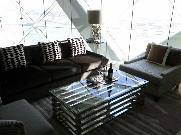 hyatt-capital-gate-abu-dhabi-suite-2212-living-room-sitting-area