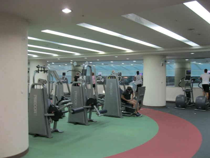 hilton-narita-fitness-center-equipment
