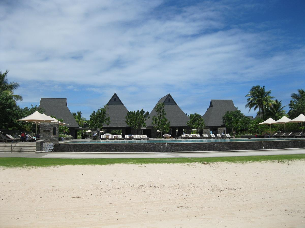 intercontinental-fiji-pool-view-from-the-beach