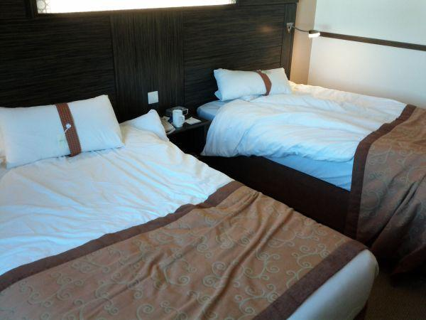holiday-inn-express-dubai-internet-city-room-112-beds-other-view