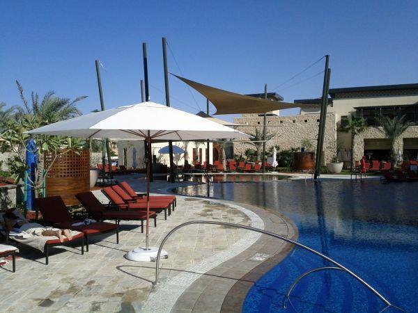 westin-abu-dhabi-golf-resort-spa-pool-area-2