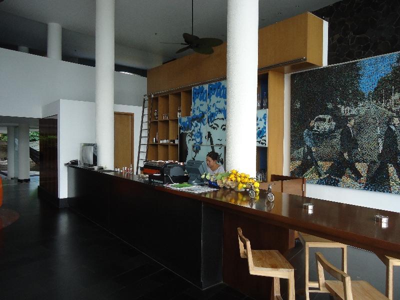 le-meridien-bali-jimbaran-lobby-cafe
