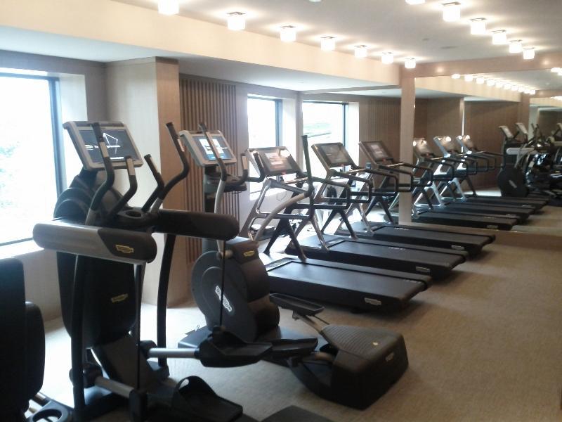 park-hyatt-sydney-fitness-center-cardio