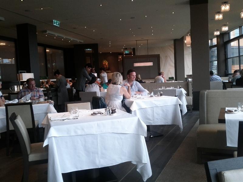 park-hyatt-sydney-room-333-beakfast-restaurant