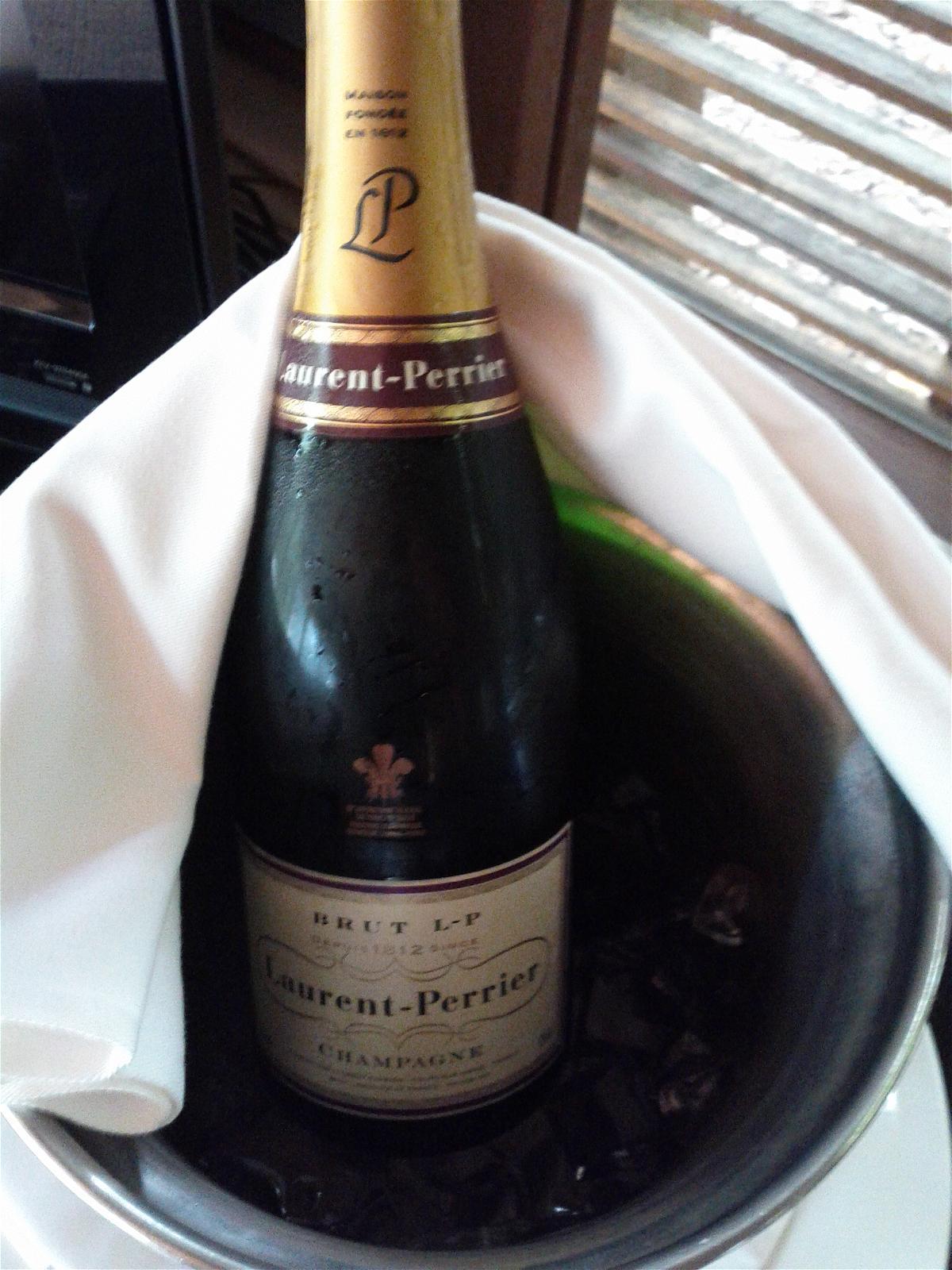 park-hyatt-maldives-hadahaa-garden-villa-welcome-amenity-laurent-perrier-champagne