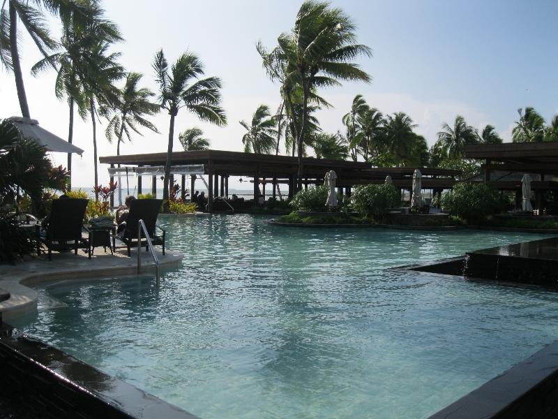 sheraton-fiji-pool-other-view