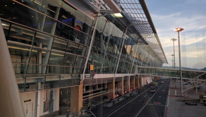 ff-hkt-new-airport-facade