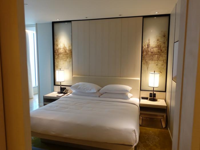 Park Hyatt Bangkok - Executive Suite 1616 - Bedroom Bed Another View