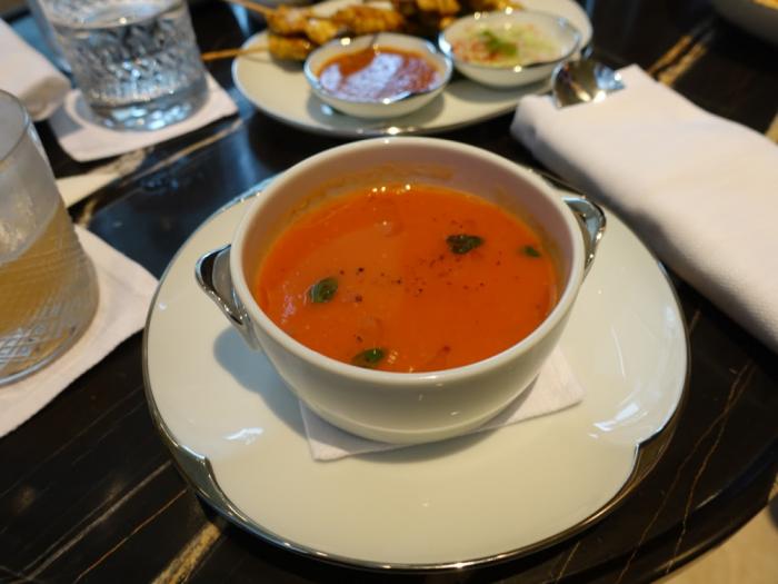Park Hyatt Bangkok - Lobby Bar - Living Room Tomato Soup