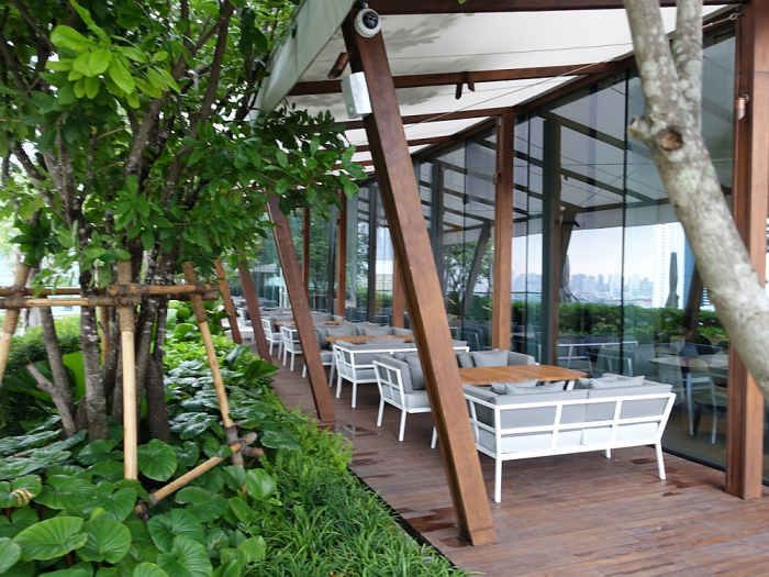 Park Hyatt Bangkok - Pool Area - Embassy Room Terrace