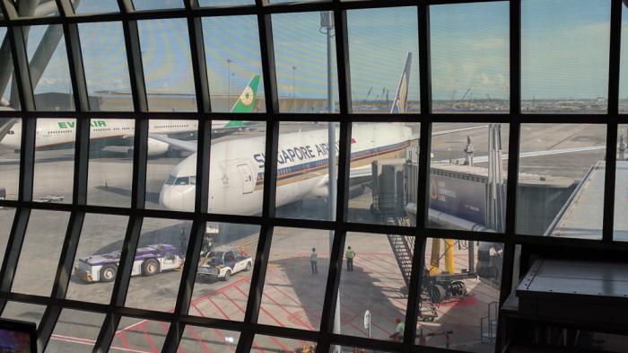Singapore Airlines New SilverKris Lounge Suvarnabhumi Airport Gate D7 Plane