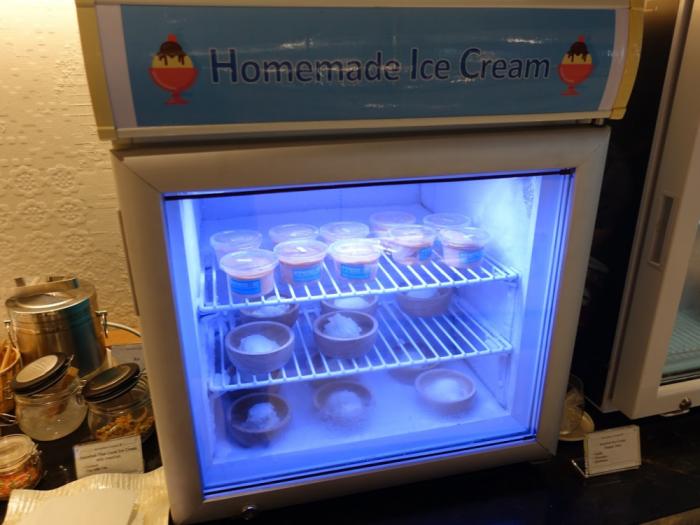 Singapore Airlines New SilverKris Lounge Suvarnabhumi Airport Home Made Ice Cream