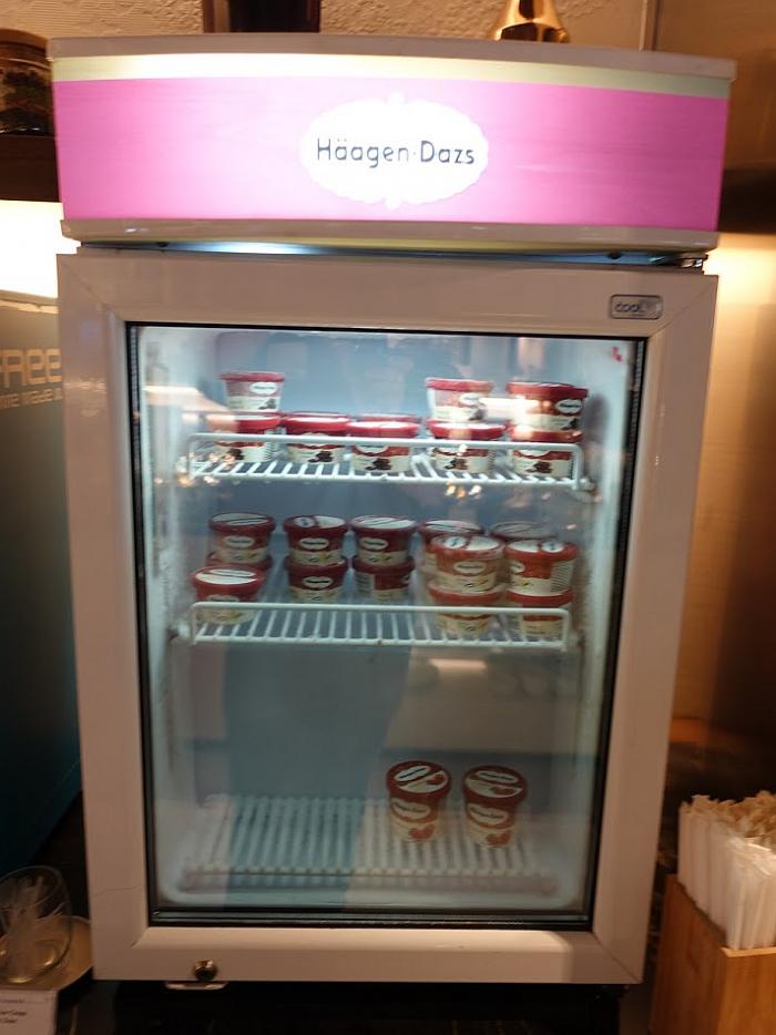 Singapore Airlines New SilverKris Lounge Suvarnabhumi Airport Ice Cream