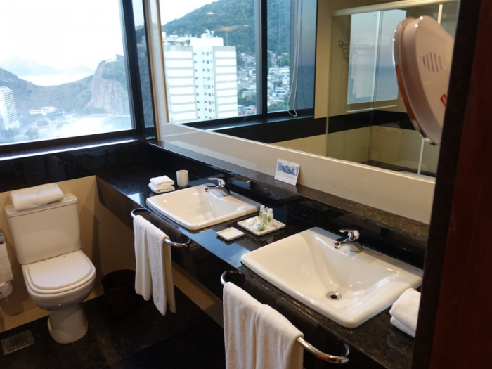 Hilton Copacabana Bathroom