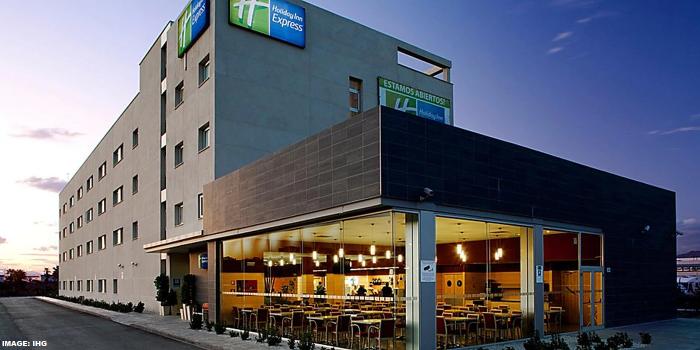 Holiday Inn Express Magala Airport